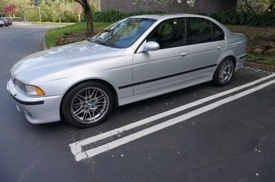 2000 BMW M Models M5