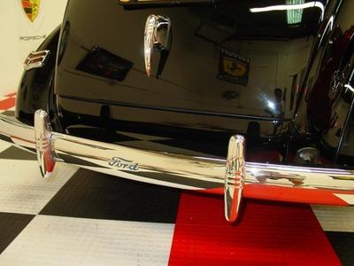 2015 Ford Deluxe 2 Door Sedan Deluxe