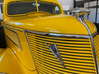 1937 Ford 2 door Coupe Street Rod
